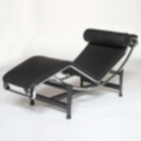 Le-Corbusier-LC4-Chaise-Longue.JPG