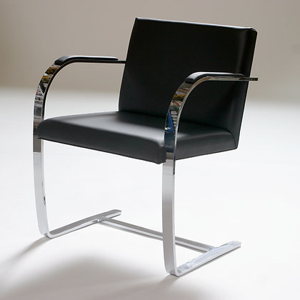 BRNO CHAIR WITH FLAT STEEL