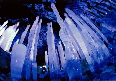 内間木洞の氷筍