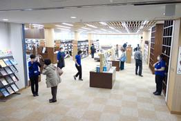3階:一般図書のフロア