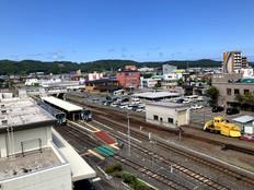 エレベーターホールからの眺め:JR久慈駅側