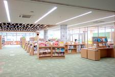 2階:児童書・青少年図書のフロア