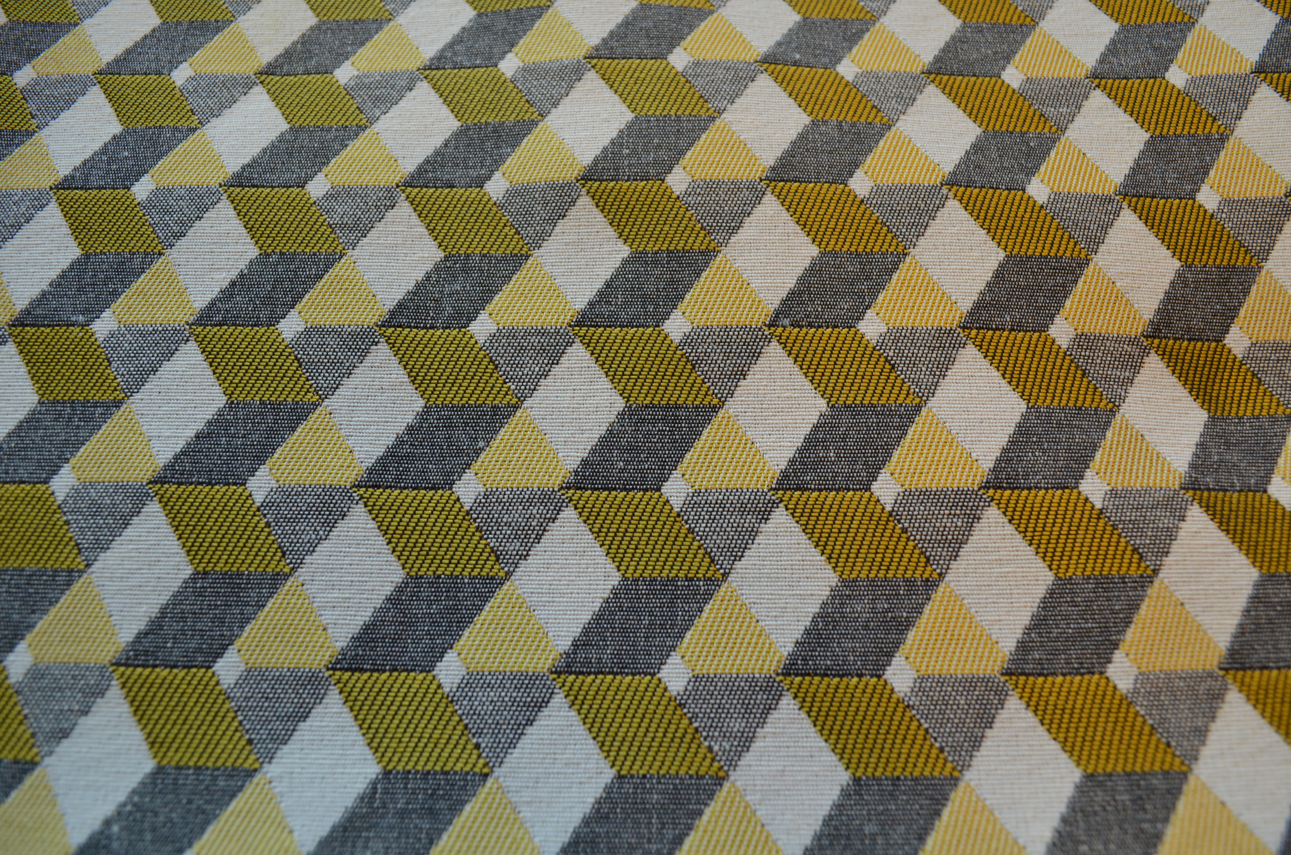 Mosaïque jaune-gris