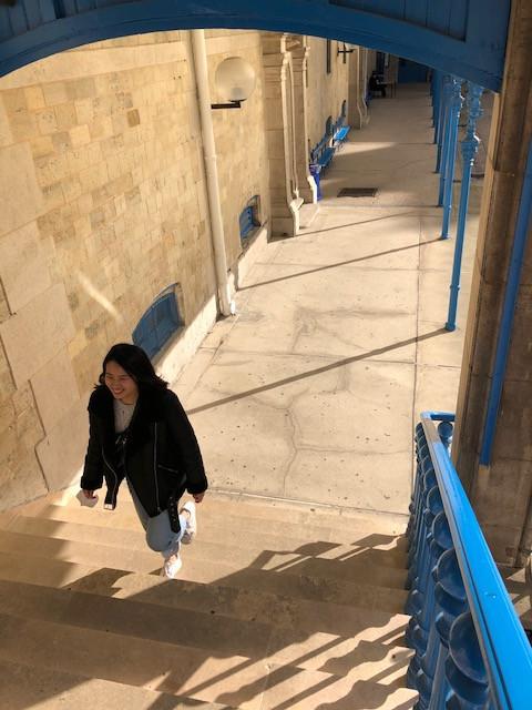 Lynda : « À Chaptal, montez les escaliers de la réussite. »