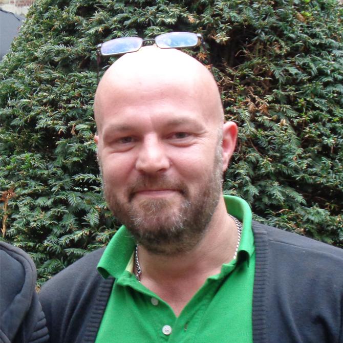 Dennis Hoes - Techniek, Culinair medewerker