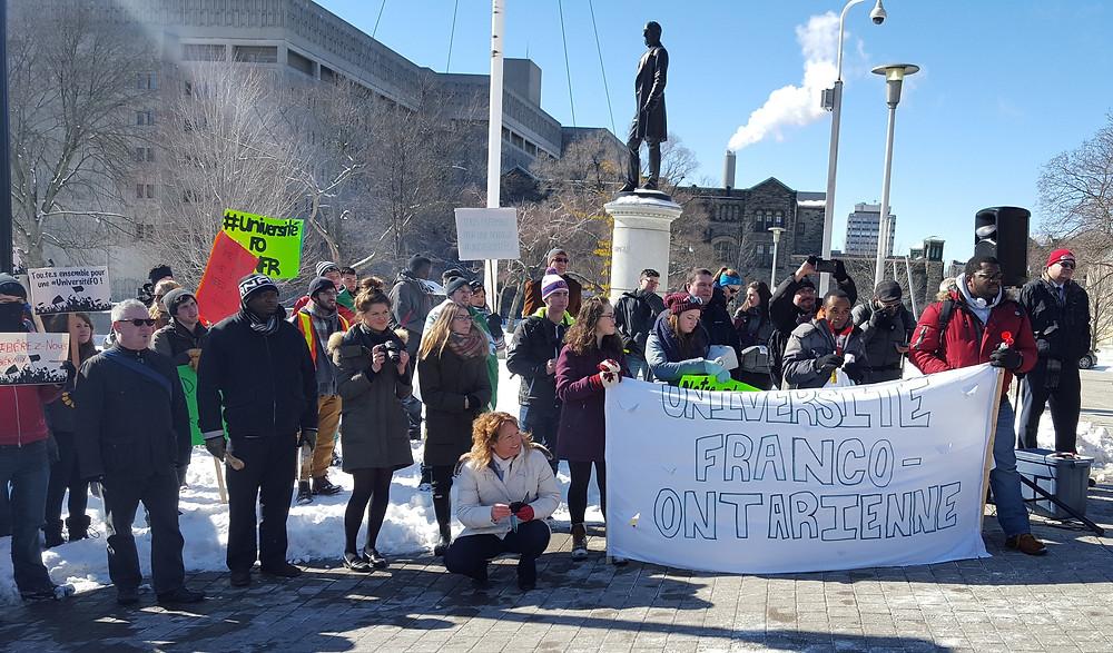 """""""Le Fédéral Pourrait Financer L'Université De L'Ontario Français."""" #ONfr, Feb. 2016, onfr.tfo.org/le-federal-pourrait-financer-luniversite-de-lontario-francais/."""