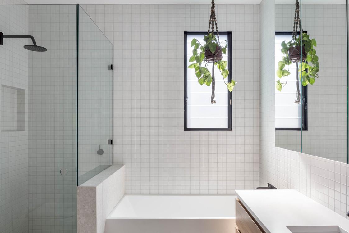 Japandi House Towradgi, main bathroom