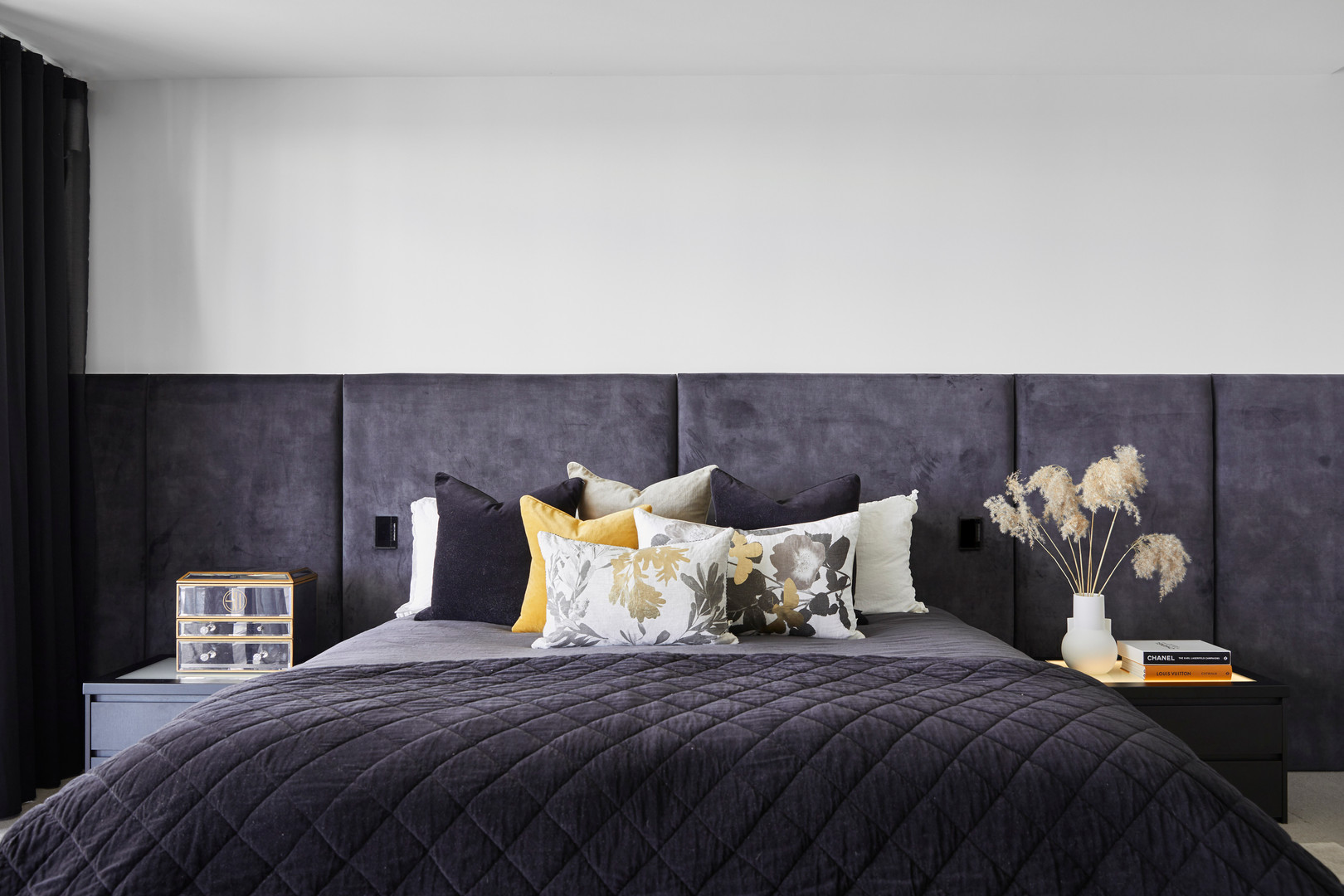 Mountain View Avondale, custom bedhead