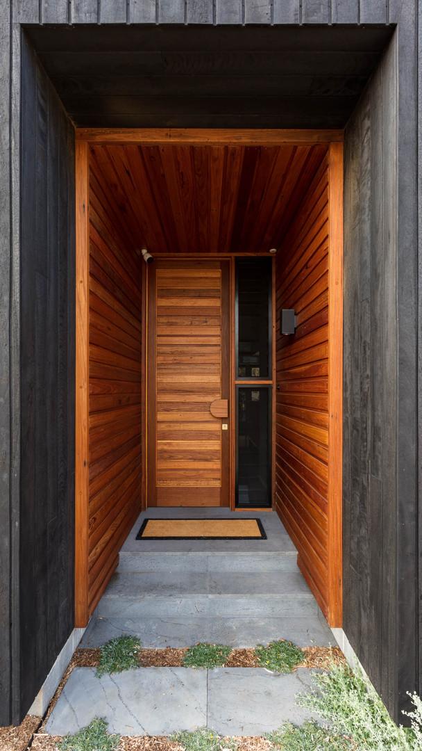 Japandi House Towradgi, entry