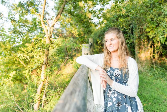 Gwen | Senior Portraits | Class of 2018