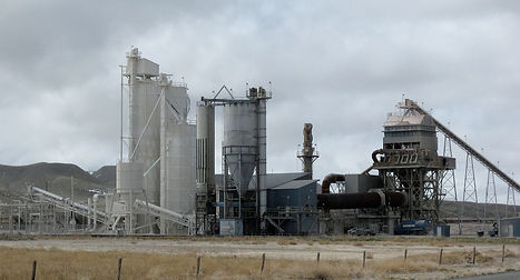 1200px-Lime_plant,_Wyoming.jpg