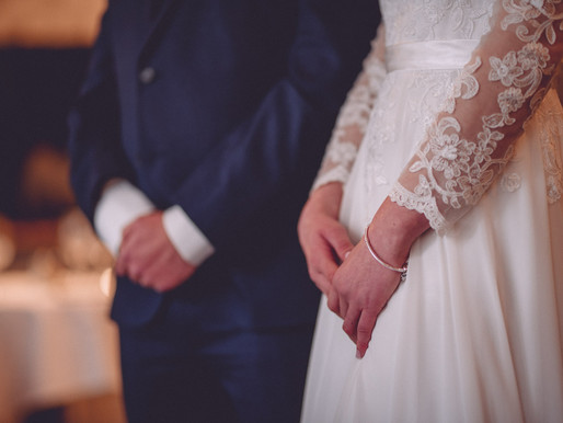 What is the first thing to look for when choosing your wedding photography & wedding videographer?