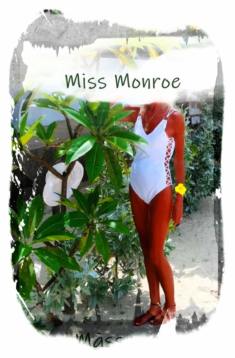 Miss walk_pe xxx_pe white.jpg