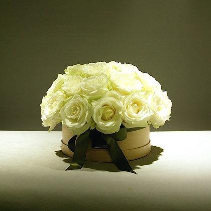 Delux White Rose Gift Box