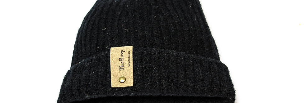 Raven Ribbed Merino Cap by Inis Meáin