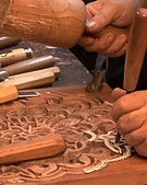 the-process-of-wood-hand-carving-the-ara