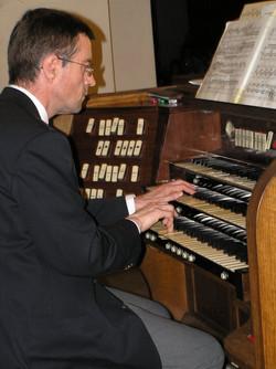 FRANCOIS LOMBARD  organiste
