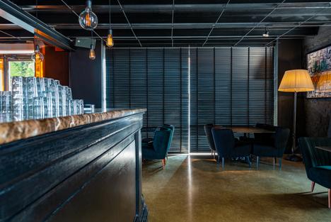 Interno Legno Bar