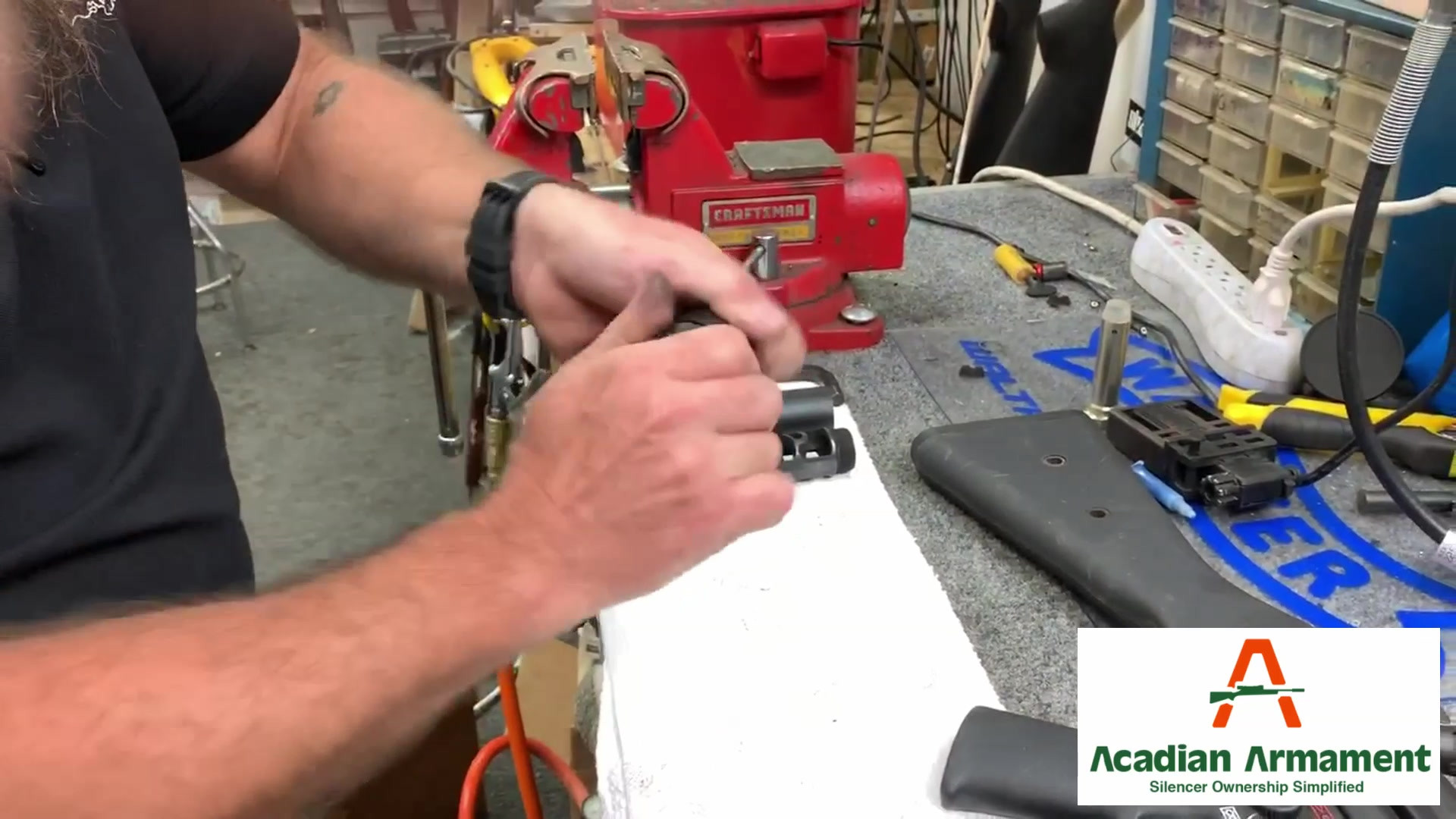 D9 disassembly and reassembly - A 90-second tutorial