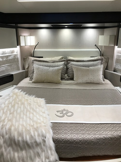 Glam VIP Cabin