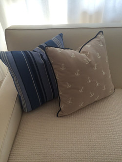 Exterior throw pillows