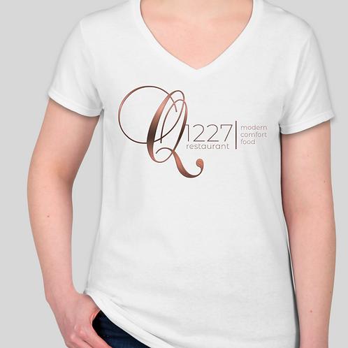 Q1227 Women's White V-Neck T-shirt