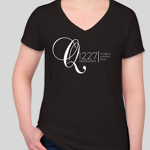 Q1227 Women's Black V-Neck T-shirt