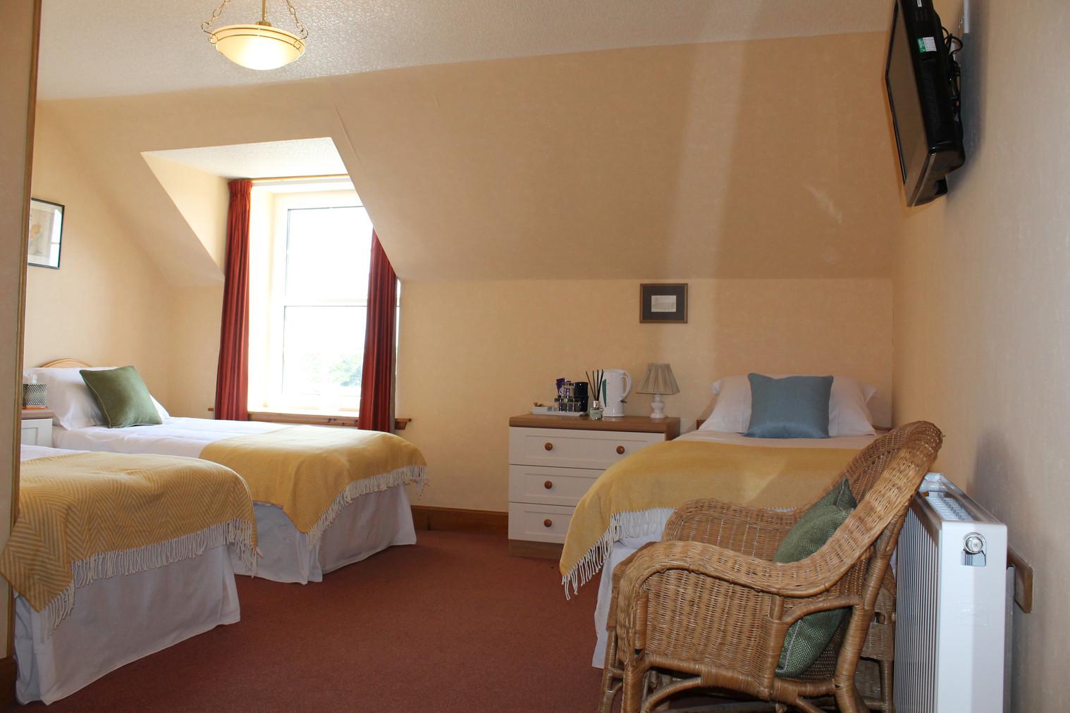 Room 5 Triple