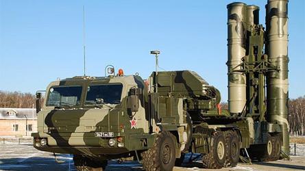 O complexo de defesa S-400 destruiu o míssil Kaban a uma altitude de 15 km