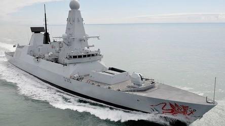 Caças russos cegaram eletronicamente um destroier britânico no Mar Negro