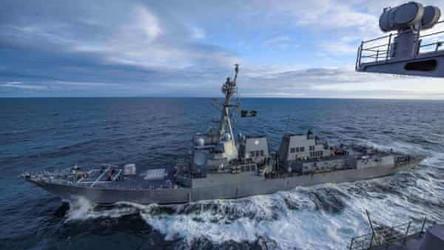 Marinha dos EUA deve adotar 'postura mais assertiva' contra China e Rússia