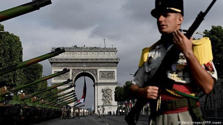 França quer punir militares que defenderam intervenção no país
