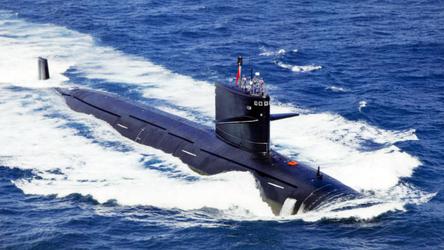 Submarinos nucleares de ataque chineses 'perseguem' o novo porta-aviões da Grã-Bretanha no Pacífico