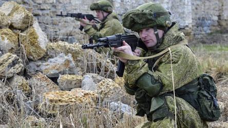 Reforço militar da Rússia na fronteira com a Ucrânia ameaça uma guerra que será difícil de parar
