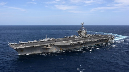 Os EUA decidem abandonar os porta-aviões nucleares devido ao perigo do último míssil russo