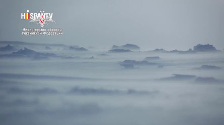 Vídeo: Três submarinos russos com mísseis balísticos  emergem pela primeira vez no gelo do Ártico