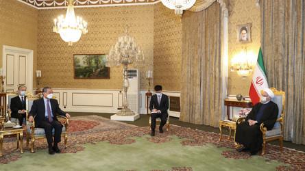 Mídia dos EUA alerta sobre a perda do poder de Washington no O. Médio após acordo Irã-China