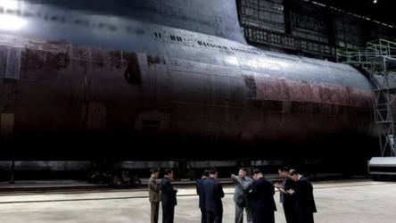 Coreia do Norte está construindo dois submarinos capazes de transportar mísseis balísticos