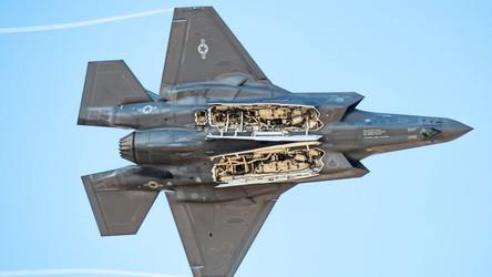 Deputado russo sobre as chances do F-35 de romper a defesa aérea russa: Eles ainda estão longe!