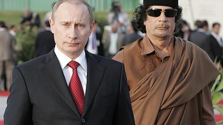 Por que a Rússia não apoiou a Líbia e Muammar Gaddafi, embora posteriormente tenha ajudado a Síria?