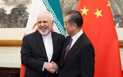 Irã e China assinam acordo de cooperação de 25 anos