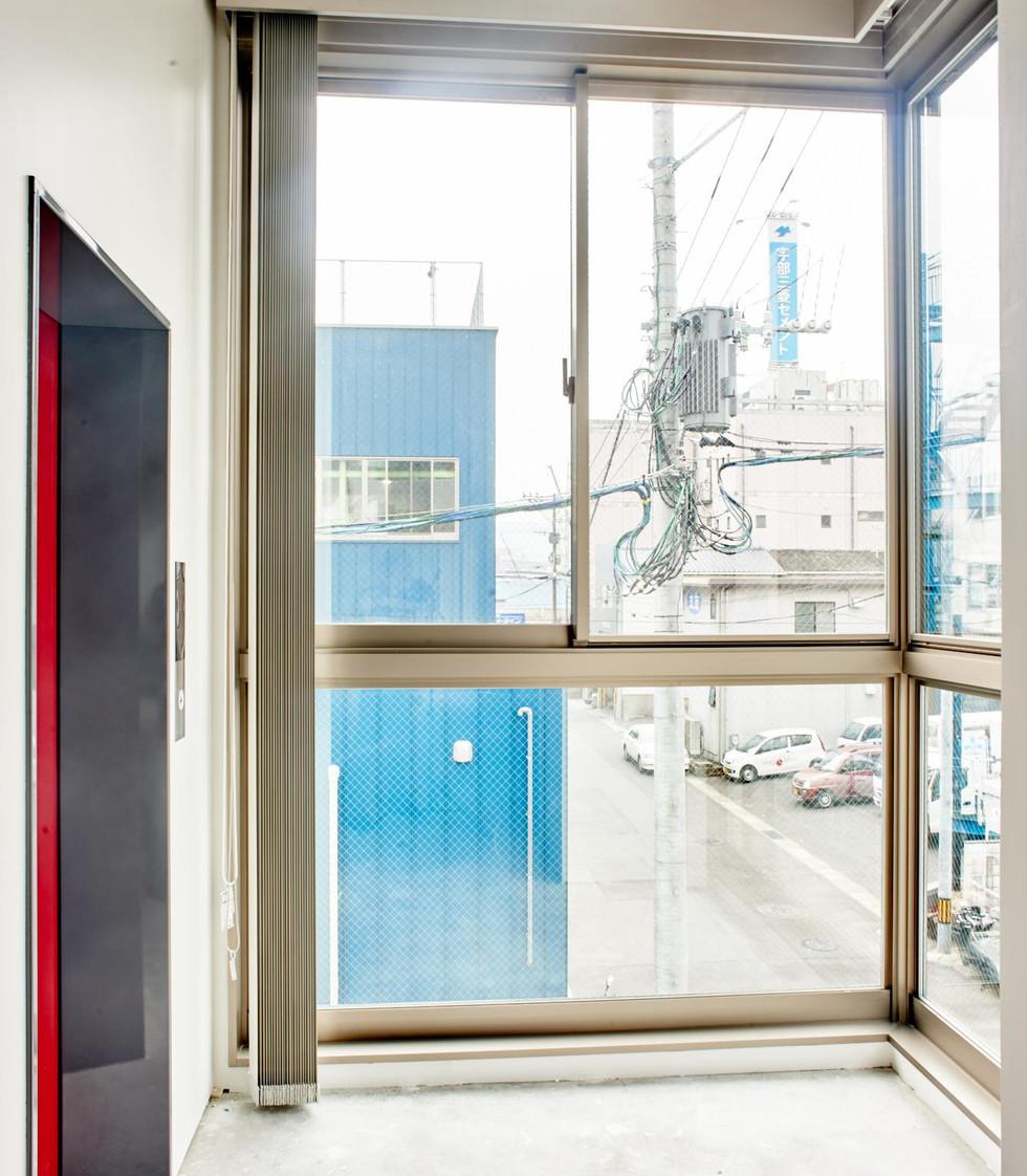 2F エレベーターホール