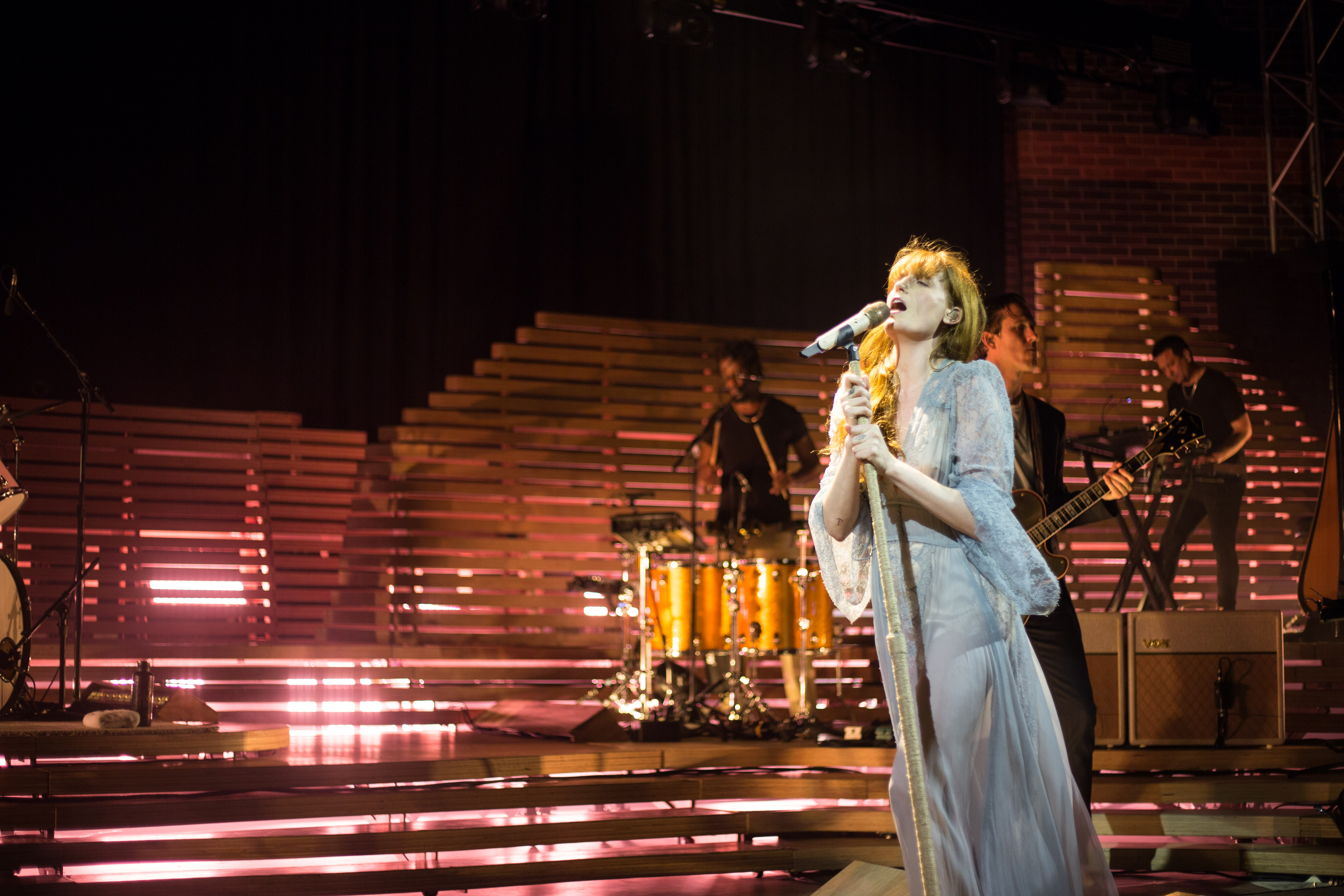 REVIEW: FLORENCE & THE MACHINE