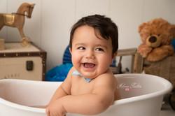 photo bébé baignoire 1 an paris 94
