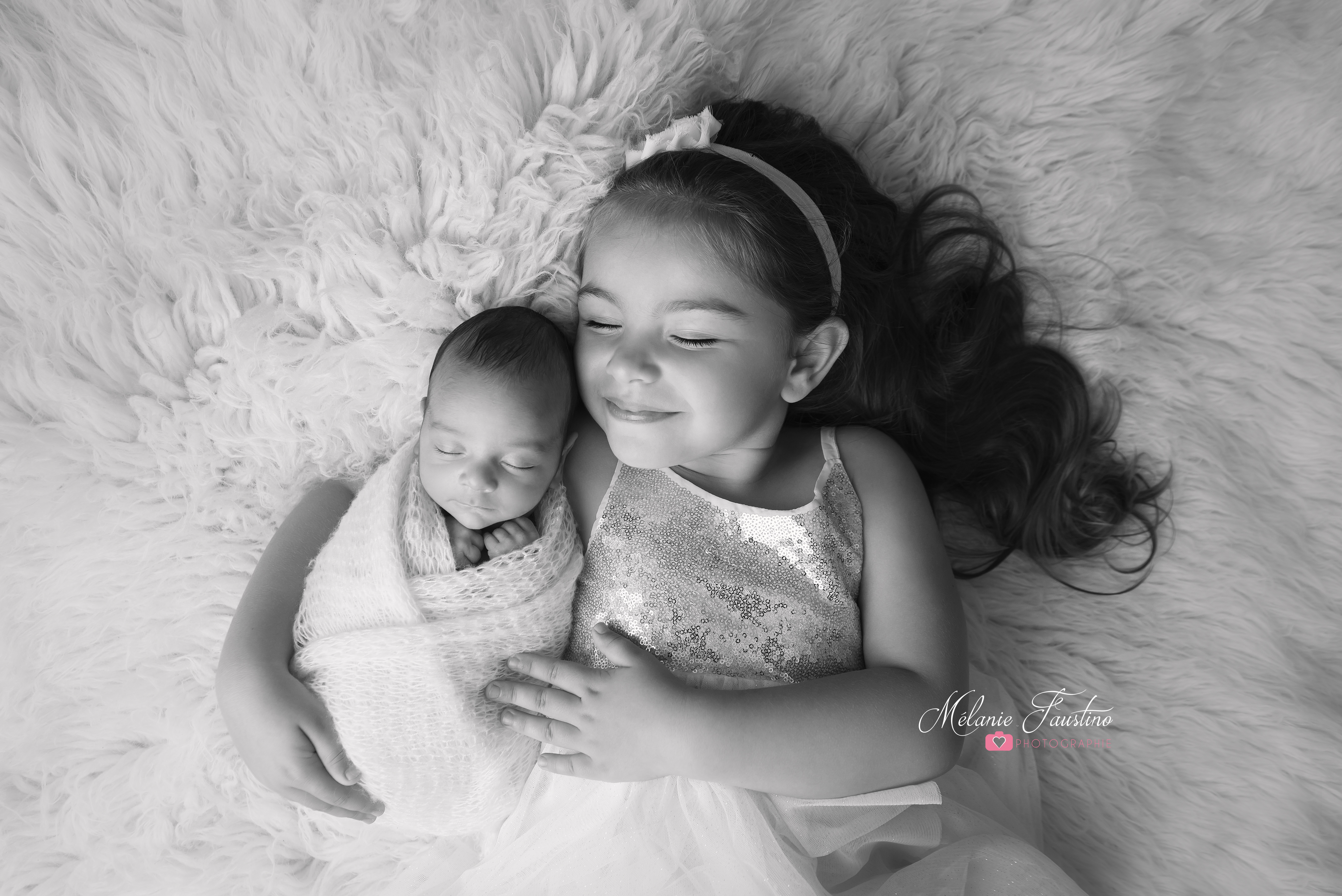 photographe bébé grande soeur frère
