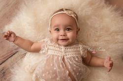 photo bébé fille 6 mois 9 mois paris