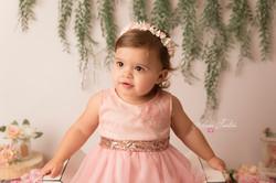 photo bébé fille fleurs studio paris