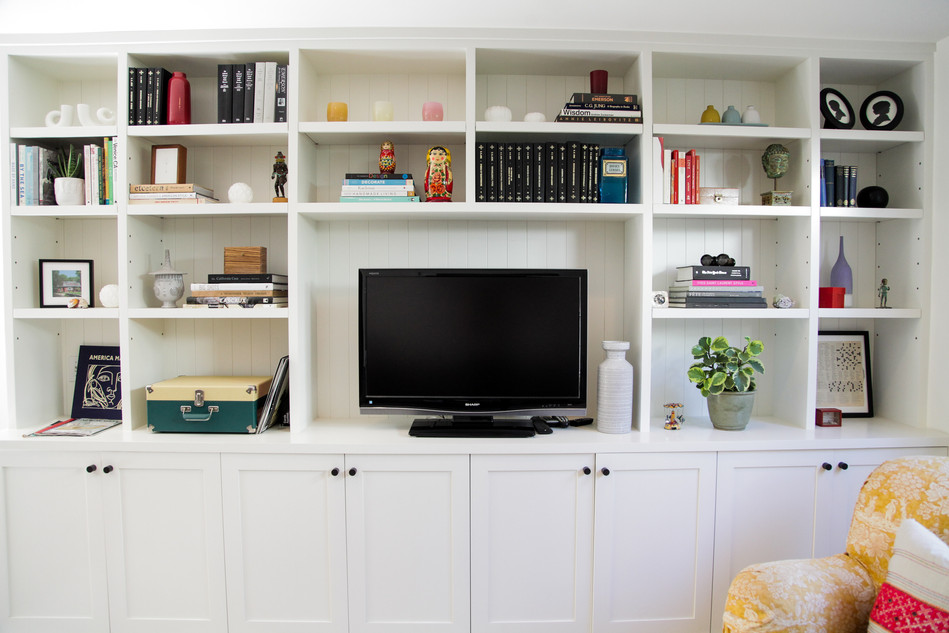 Family room built in bookshelves by Lilly Walton Design Ojai, Ca