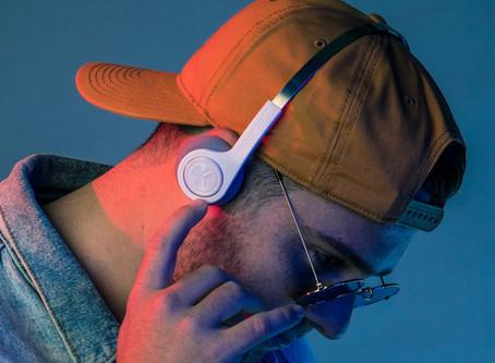 復古風來襲 美國知名耳機品牌 JLab Audio推出Rewind 復古造型藍牙耳機!