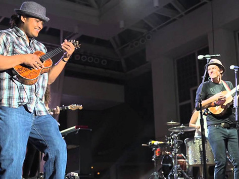 "Derick Sebastian with Jason Mraz and Raining Jane, ""I'm Yours"" Maui 2014"